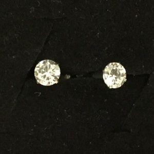 Jewelry - 2pc UNISEX WHITE 4mm CZ BODY PIERCED EARRINGS